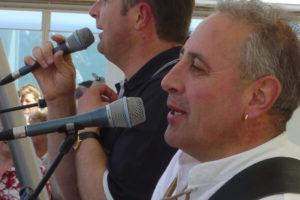 Auch Norbert Rier von den Kastelruther Spatzen singt mit mal mit uns