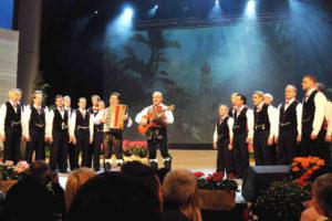 Mit dem Seiser männerchor beim Grand Prix der Volksmusk